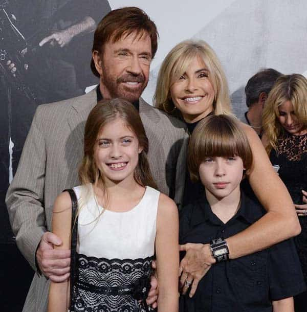 Chuck Norris with his current wife Gena and twins children Dakota and Danilee