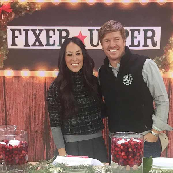 Joanna Gaines And Her Husband Chip In The Hit Hgtv Show Fixer Upper