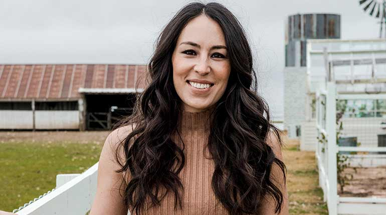 fixer upper joanna gaines age bio height family parents sibling wikicelebinfo. Black Bedroom Furniture Sets. Home Design Ideas