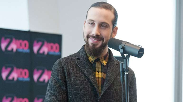 Is Former Pentatonix singer Avi Kaplan married to a wife? Or