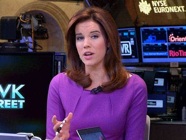 Beautiful picture of CNBC host Kelly Evans