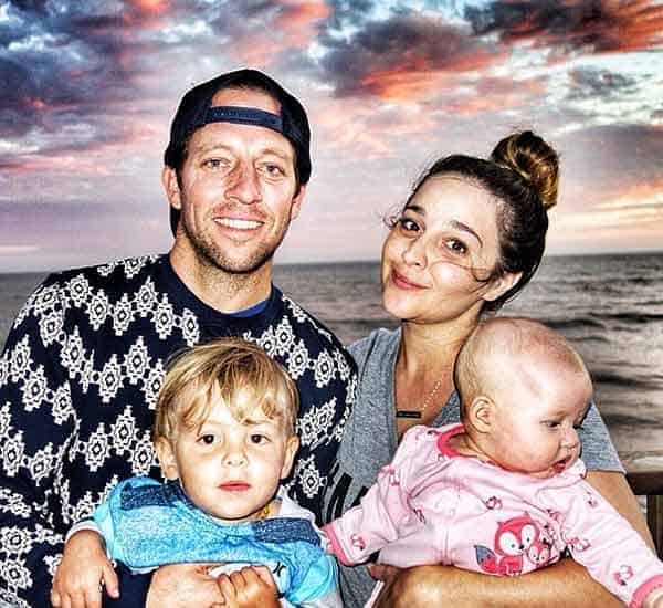 Happy family picture of Alisan Porter with her husband Brian Autenrieth, son and daughter