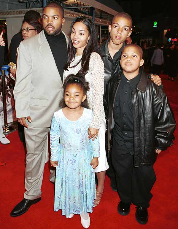 Beautiful family picture of Ice Cube with his wife Kimberly Woodruff, sons and daughter