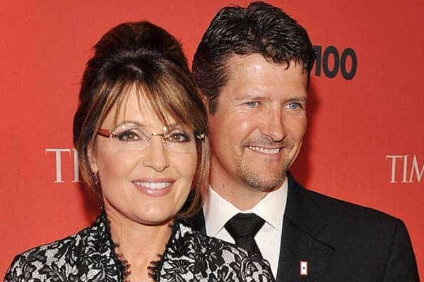 Beautiful picture of Todd Palin and his wife Sarah Palin