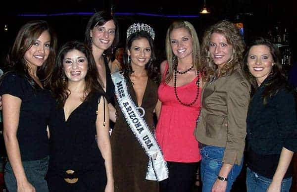 Beautiful Ladies: Vanessa Ramirez with contestants in Miss Arizona USA 2006