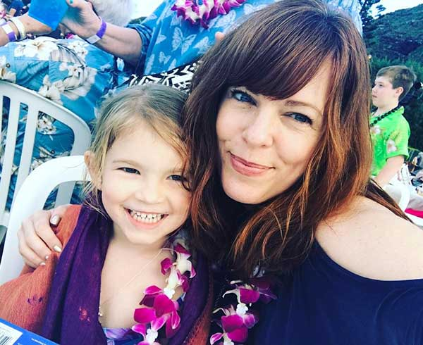 Beautiful Picture: Amy Bruni hugging her daughter Charlotte
