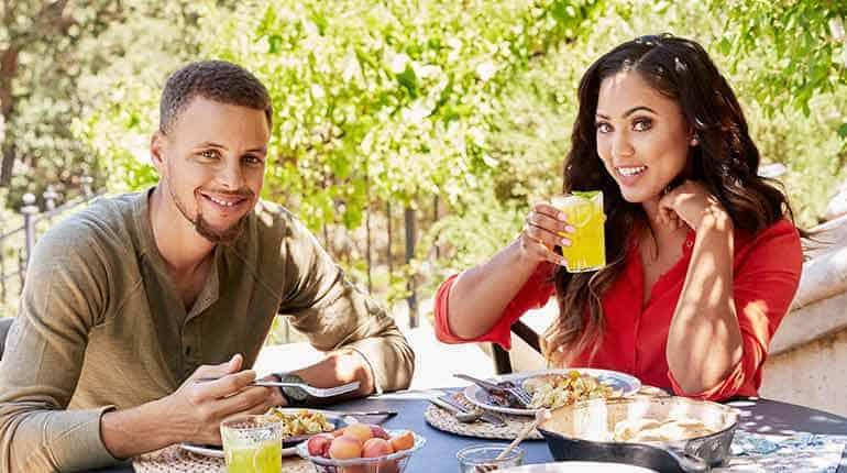 stephen curry u2019s wife ayesha curry  wiki type bio