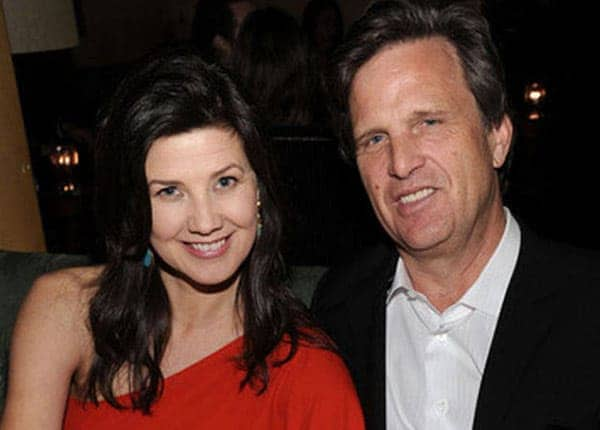 Daphne Zuniga with her boyfriend Emilio Estevez