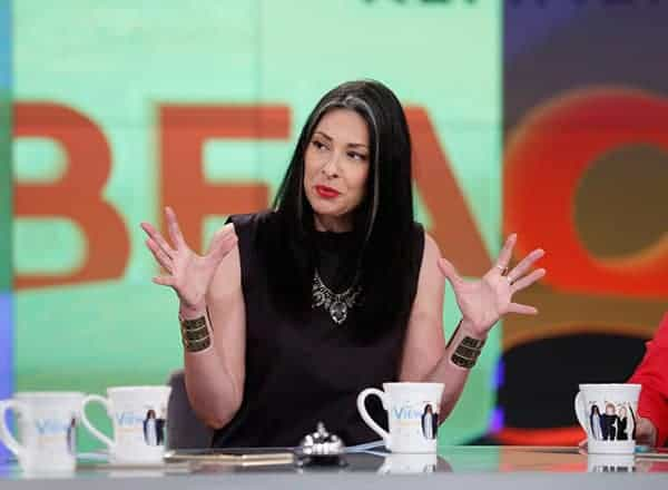 Stacy London on reality show What Not To Wear