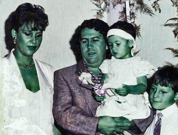 Picture of Pablo Escobar's family When Manuela Escobar Was kid