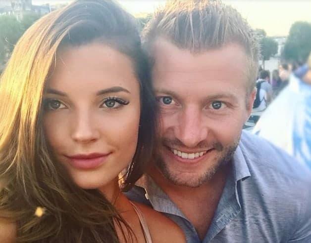dating coach salary