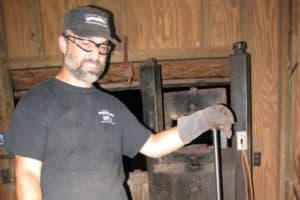 Know Forged Fire Jason Knight Bladesmith Wiki Bio Net Worth, Wife, Married, Age