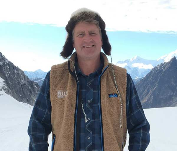 Treehouse Masters Treehouse Point: Treehouse Master Pete Nelson Net Worth, Married, Wife, Age