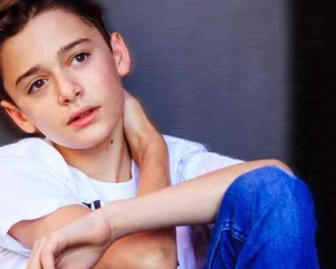Noah Schnapp Net worth age Wiki Bio career
