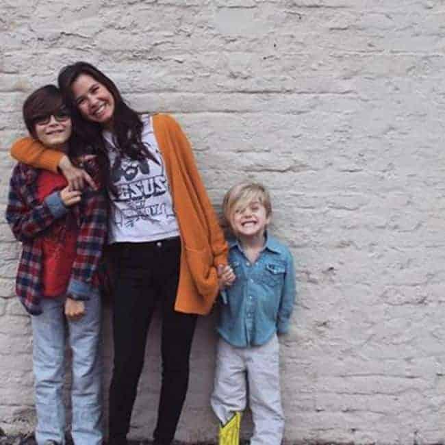 Image of Sunshine Kiki Browns with her kids