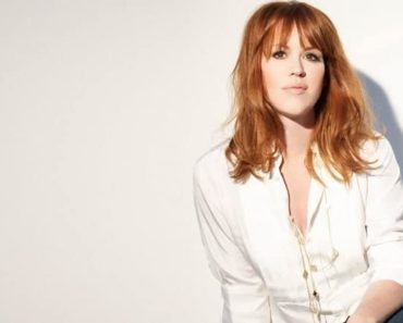 Image of Molly Ringwald Net Worth. How old is Molly Ringwald?  Know her age, birthdate.