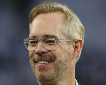 Image of Joe Buck Net Worth & Salary. Height, Age.