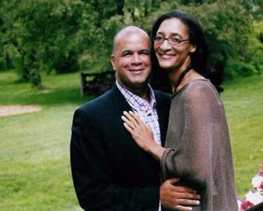 Image of Matthew Lyons: 7 Facts about Carla Hall's Husband.