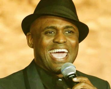 Image of Wayne Brady Net Worth, Salary, Age, Height