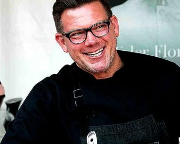 Image of Tyler Florence Net Worth. Meet his Wife Tolan Clark.
