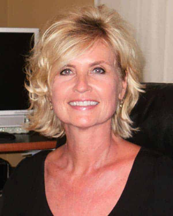Image of Jeff Probst's first wife Shelly Wright.