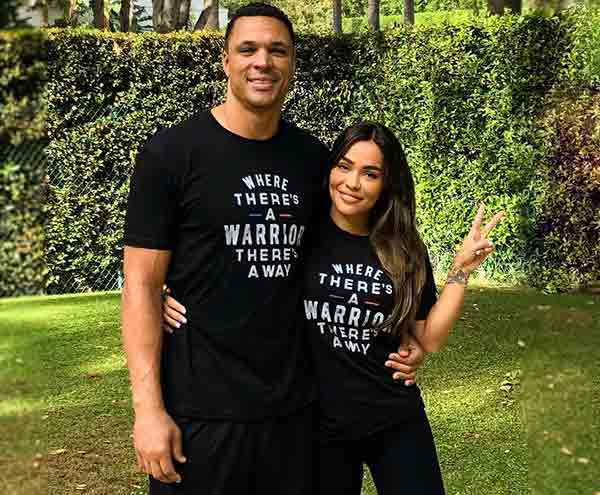 Image of October Gonzalez with her husband Tony Gonzalez