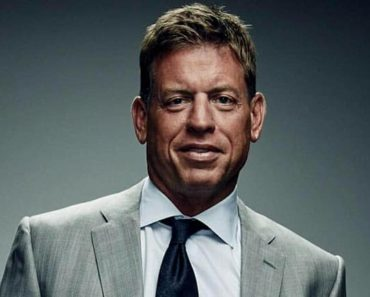 Image of Troy Aikman Net Worth, Salary, Age, height.