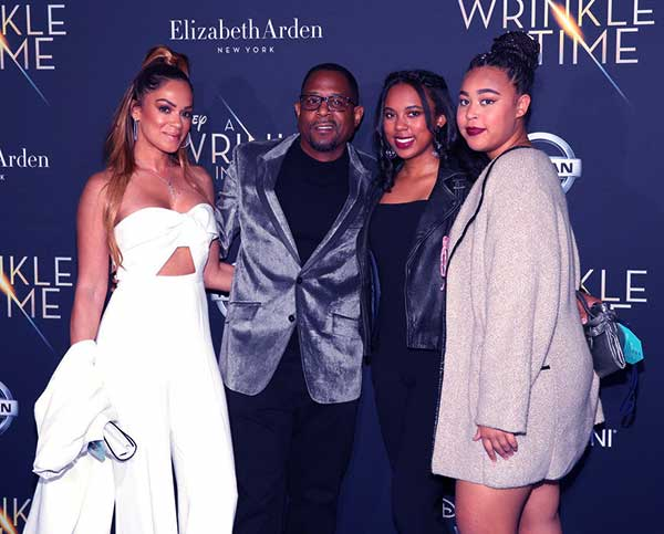 Image of Martin Lawrence with his daughters